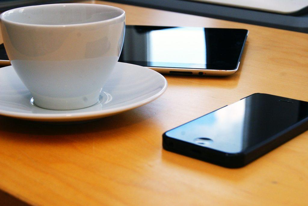Több okostelefon....