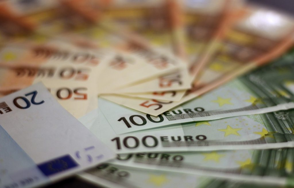 Nagy pénz-nagy CSR? Kis pénz-kis CSR?