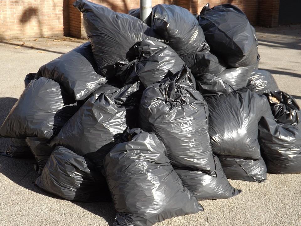 A műanyagzacskók betltása