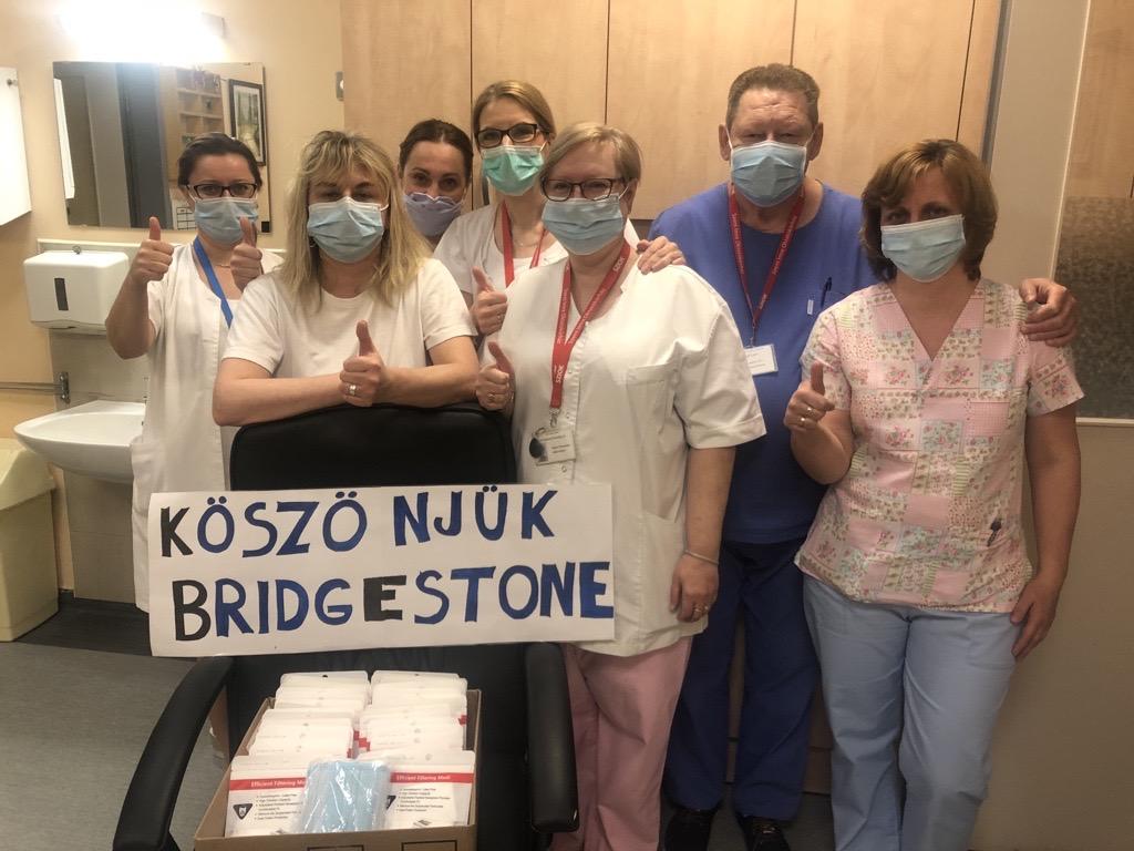 bridgestone-maszk adományozása