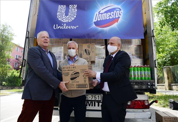 unilever-tisztitoszer-adományozás