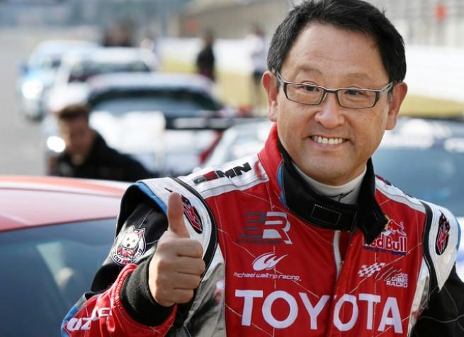 A Toyota elnöke, Akio Toyoda az év Autóipari Szakembere